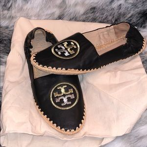 Leather Tory Burch loafers slip on like new